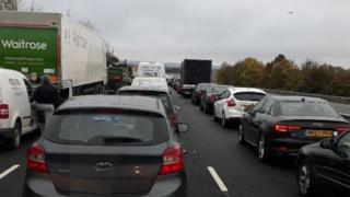 Cars queued on the M40