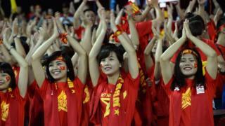 Nhiều cổ động viên đã lên đường sang Yangon để cổ vũ đội tuyển Việt Nam