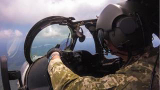 Пілот гелікоптера