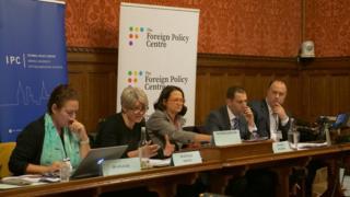 Dr. Ayla Göl, Dr. Natalie Martin, İngiliz Milletvekili Catherine West, Dr. Simon Waldman (soldan sağa)