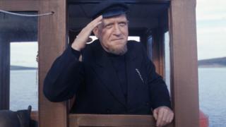 Roddy McMillan as Para Handy