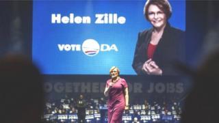 Helen Zille a aussi dû présenter ses excuses pour avoir suscité la controverse après avoir tweeté sur les aspects positifs de la colonisation qu'elle vantait.