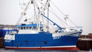 Crew praised for effort to save overboard fisherman