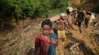 Кўплаб роҳингалар ҳозирда Бангладеш чегараси яқинидаги жамлоқларда яшайдилар