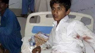 Один из раненых в Сехван-Шарифе