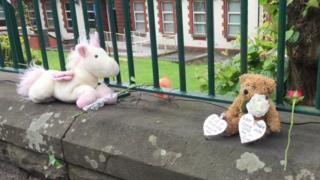 Teddy bears and flowers