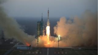 پرتاب 17 اکتبر موشک حامل فضانوردان