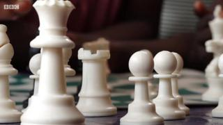 مبادرة في نيجيريا للنهوض بصغار العشوائيات عبر تعلم الشطرنج