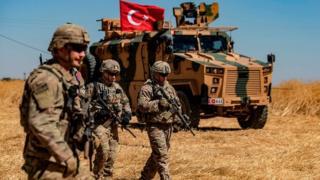 ABD askerleri ve TSK'ya ait tank sınırın Suriye tarafında