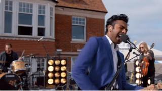 Himesh Patel singing in Yesterday