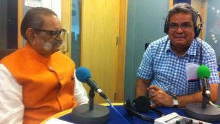 शिव कुमार के साथ बीबीसी स्टूडियो में रेहान फ़ज़ल
