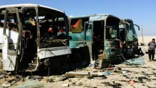 حافلات محطمة في سامراء