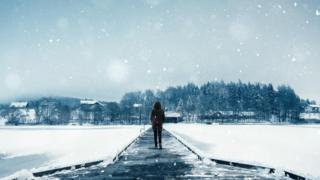 karda yalnız kadın