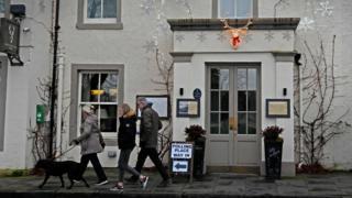 Voters in Luss