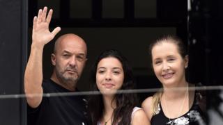 Iván Simonovis junto a su hija y su esposa, Bony Pertiñez, fotografiados en 2014.