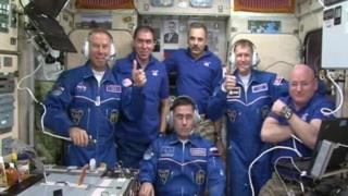 ISSには6人の宇宙飛行士が滞在している