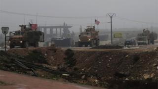 مركبات عسكرية أمريكية بالقرب من منبج في سوريا