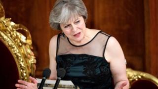 Le Premier ministre Theresa May lors d'un banquet à Londres