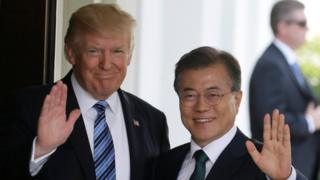 U.S. President Donald Trump (L) welcomes South Korean President Moon Jae-in at the White House in Washington, DC, U.S., June 30, 2017.