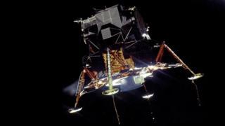 چاند پر اترنے والی خلائی گاڑی