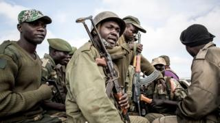 DR Congo soldiers escort health workers
