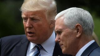 Başkan Trump ve Başkan Yardımcısı Pence Beyaz Saray'ın gül bahçesinde