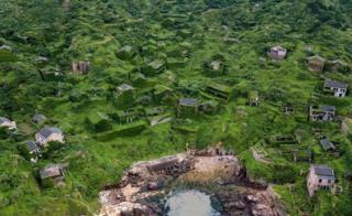 चीनमधलं निर्सगाने पछाडलेलं गाव