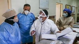 مقام های بهداشتی و بیمارستانی افزایش موارد ابتلا در میان کادر درمانی را نگران کننده خوانده اند