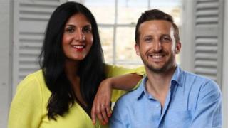 Radha Vyas và Lee Thompson