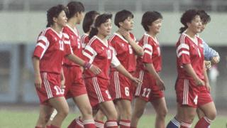 參加第一屆女子足球世界杯的中國女子國家隊