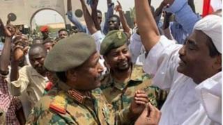 Jeshi lilimuondoa madarakani kiongozi wa muda mrefu Omar al-Bashir