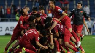Tuyển bóng đá nam Việt Nam đã và đng làm được nhiều hơn cả mong đợi.