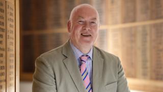 Dr Simon Letman
