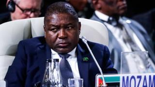 Le Mozambique impose des taxes aux journalistes