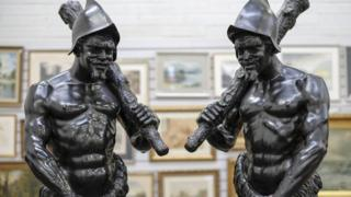 Conquistador statues