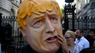 Людина у масці Джонсона