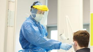 Coronavirus PPE: Gowns ordered from Turkey fail to meet safety standards thumbnail