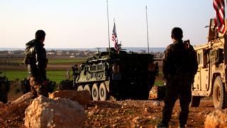 ABD konvoyu geçen yıl Mart ayında Menbic'in Yalanlı köyüne konuşmanmıştı.