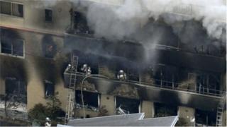 Lửa bùng cháy tại tòa nhà ba tầng vào buổi sáng ngày 18/7