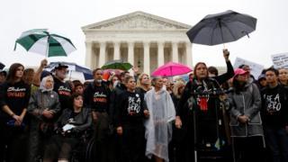 معترضان به نامزدی کاوانا روز دوشنبه در برابر دیوان عالی آمریکا