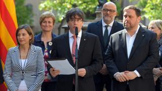 El presidente catalán, Carles Puigdemont, anunciando el referéndum