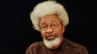 L'écrivain s'insurge contre le comportement de certains prédicateurs qui ont organisé des rassemblements