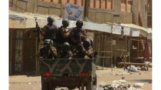 Des soldats maliens en patrouille à Gao