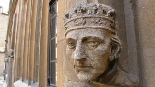 King carving on Oxford wall