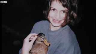 Хлоя отримала Ерні в подарунок на день народження 21 рік тому