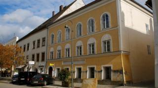 المنزل الذي ولد فيه هتلر بمدينة براوناو آم إن النمساوية