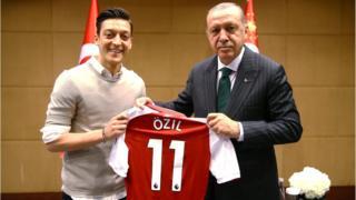 Mesut Ozil haifaffen kasar Jamus ne