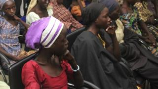 21 lycéennes de Chibok ont été libérées en octobre après un accord conclu avec Boko Haram par la Suisse et la Croix-Rouge internationale.