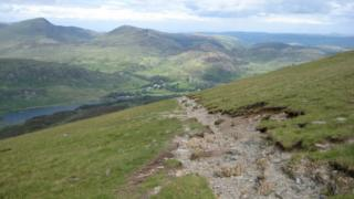 The path off Moel Siabod down to Capel Curig gives marvellous views across the southern end of the Carneddau