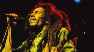 Bob Marley pentas langsung di Brighton Leisure Centre, Inggris pada tanggal 1 Juli 1980
